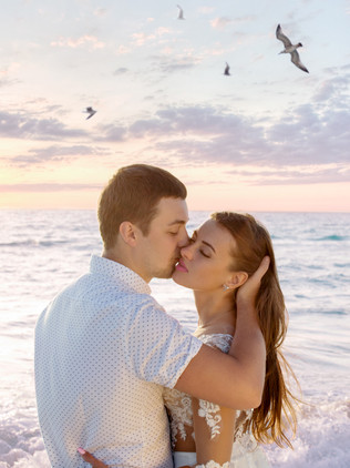 Shooting for beautiful couple Alexandr and Valeria at Cancun beach
