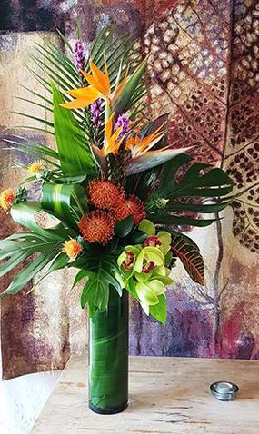 AR11 Vase Tropical