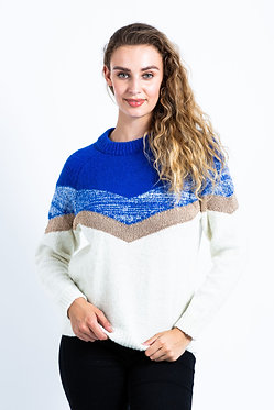 Cosy pullover with V-shape design