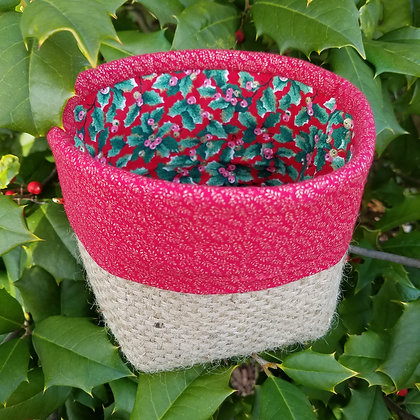 Red Holly mini basket