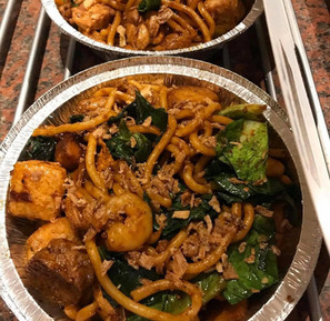 Hokkien Noodles (Udon noodles with chicken, prawn and other ingredients in a rish dark soy and black pepper sauce)