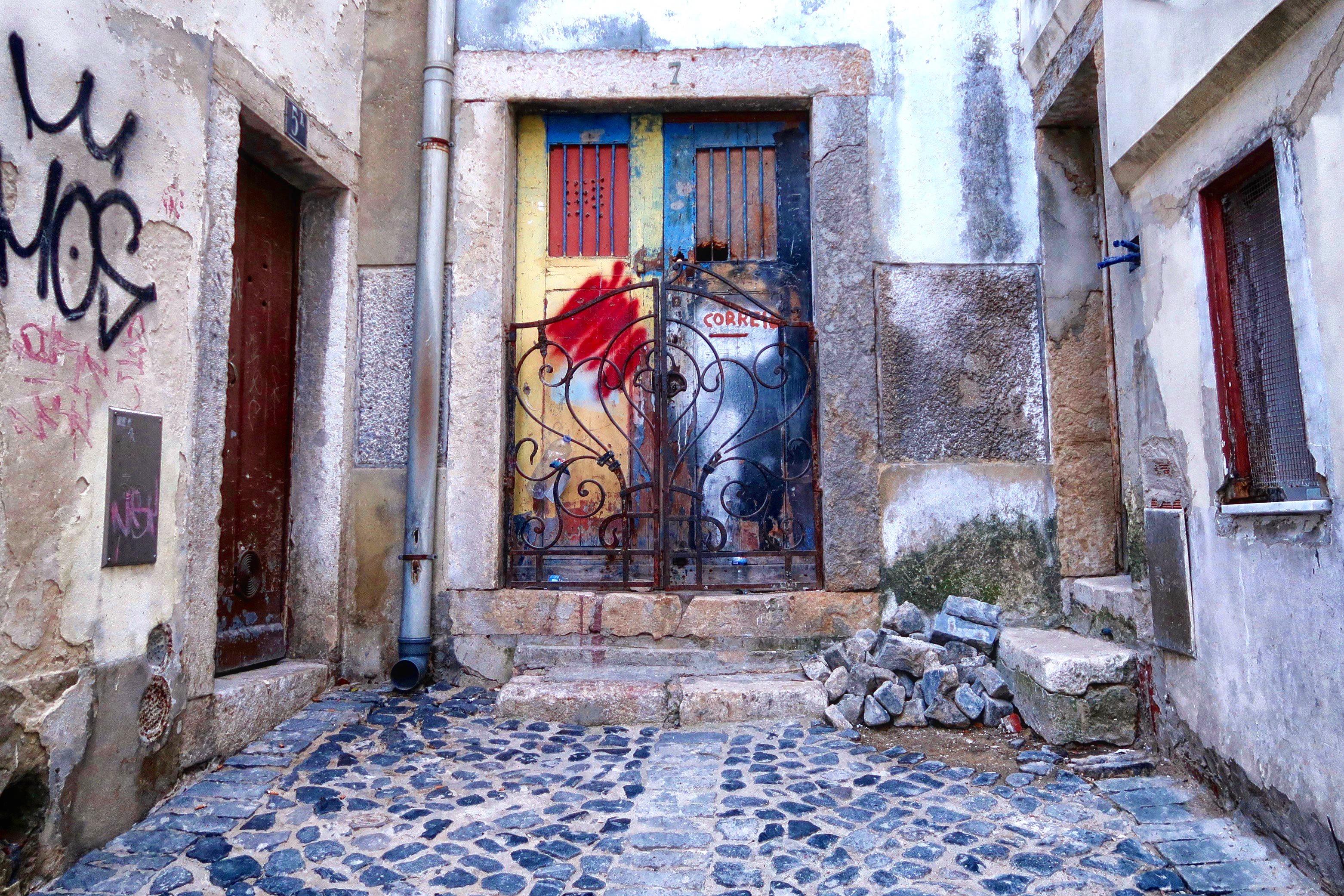 Doorway, Lisbon