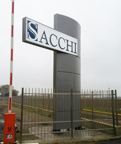 Totem frontale Sacchi