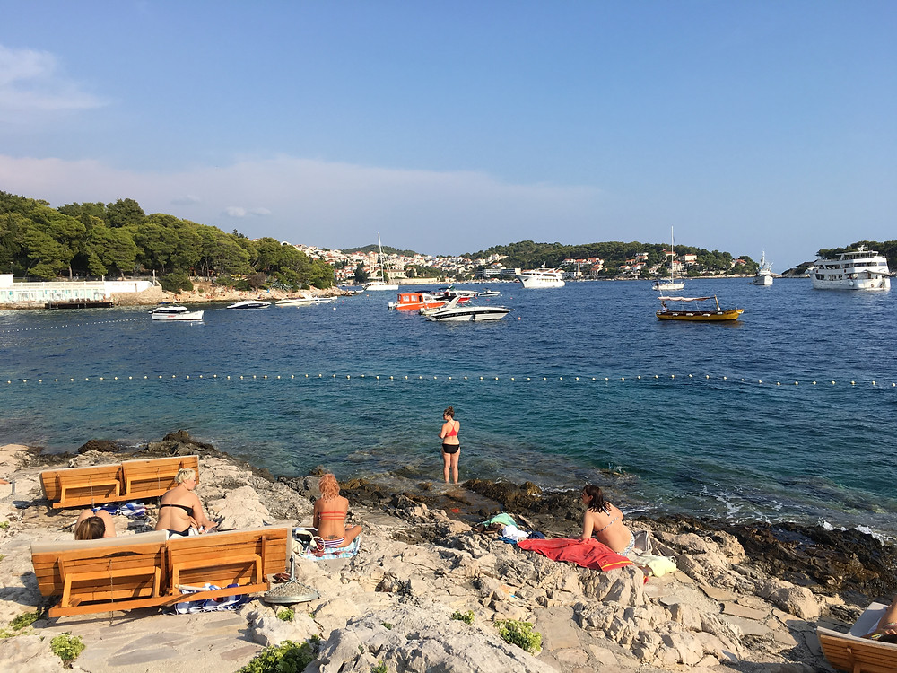 sunbathing-in-hvar
