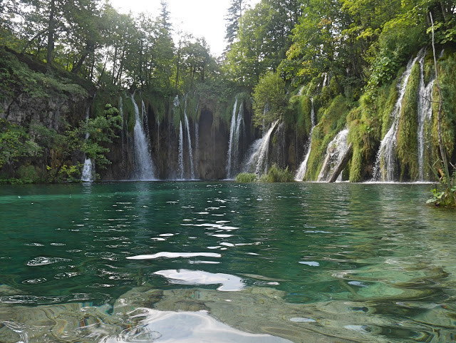 small-waterfalls-plitvice-lake
