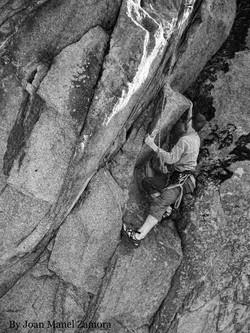 1070548 Climbing