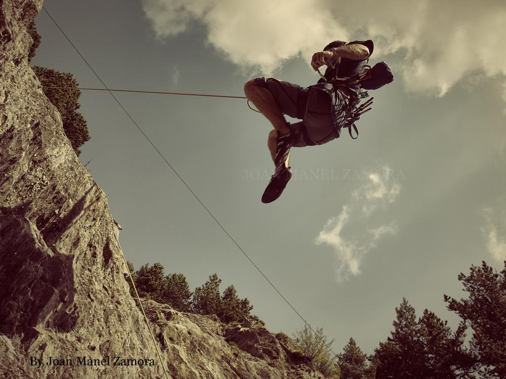 1060980 Climbing