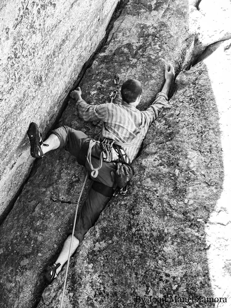 1070876 Climbing