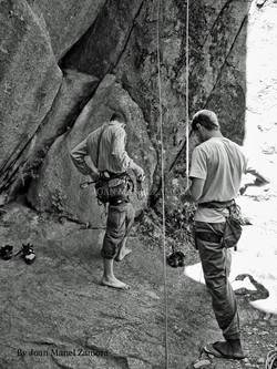 1070891 Climbing