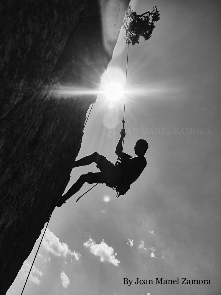 1080391 Climbing