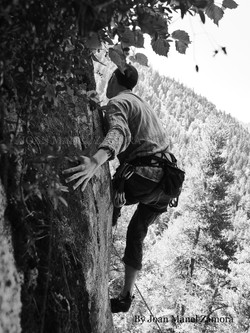 1070605 Climbing