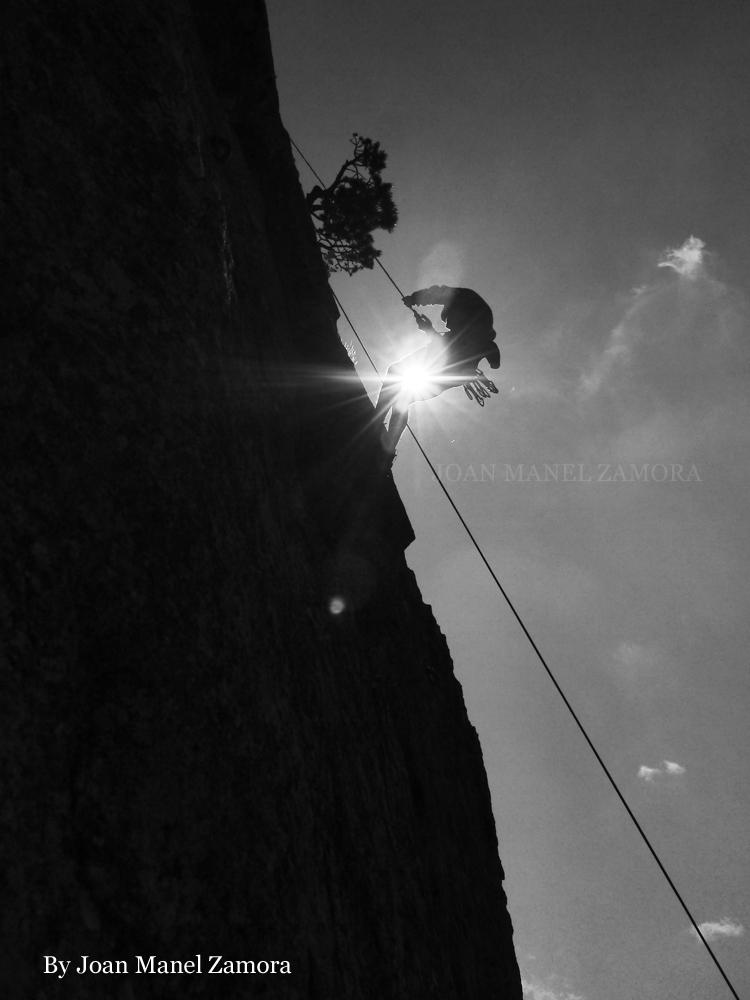 1080422 Climbing
