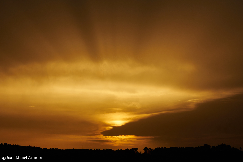03792 Sun & Clouds