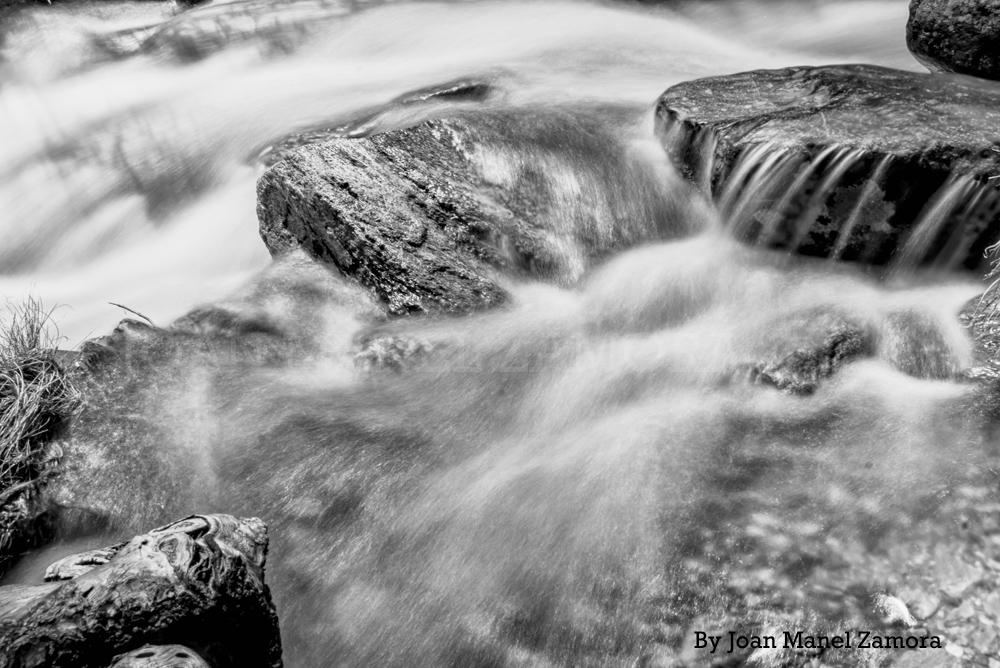 05085 Slow Rivers