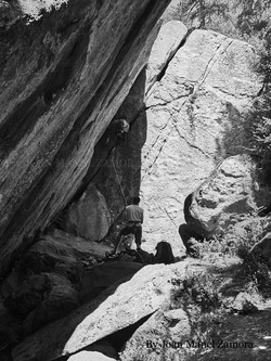 1070870 Climbing