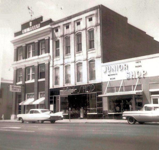 Circa 1965 old Money Tree building south