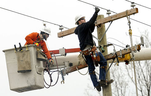 electrical consfruction workers.jpg