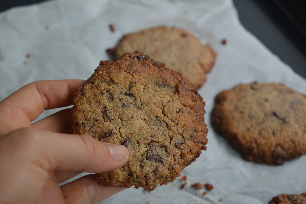 cookies beewelltahiti santé bien-être recettes saines sans gluten vegan sans oeufs sans beurre Tahiti vegan coco chocolat tahini cookie goûter dessert