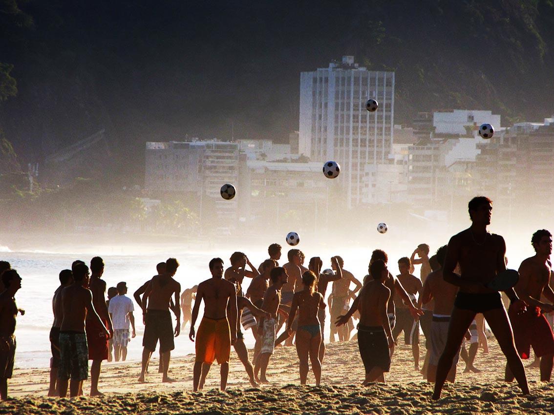 01-ipanema-soccer-RJ