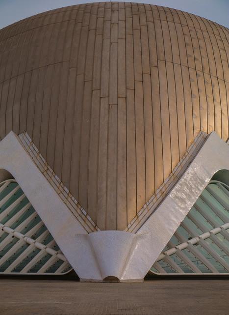 Caroline Starzewski - Hemispheric building Valencia, Spain
