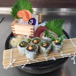 Luki Sush Lounge