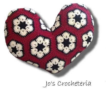 Jo\'s Crocheteria - Free African Flower Heart Crochet Pattern