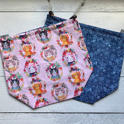 Floral Cats Drawstring Bag