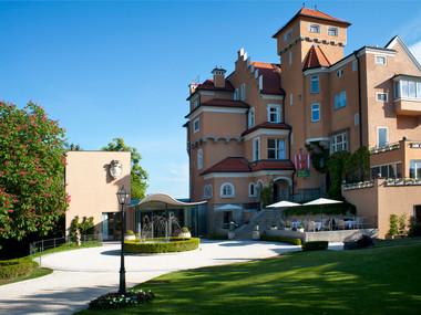 Hotel Saltzburg-Exterior