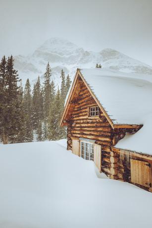 Snowy Skoki Main Lodge