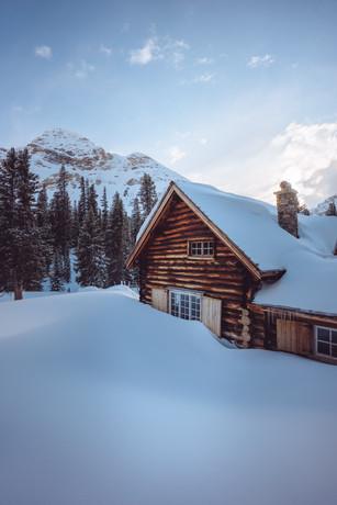 Skoki Lodge Main Cabin 3