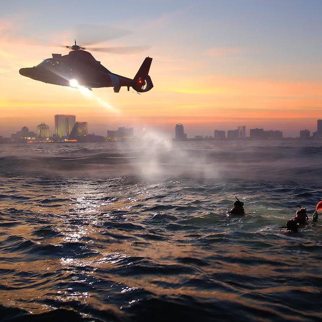 helicopter-615168_edited.jpg