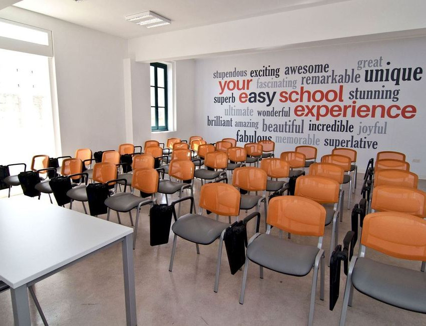 Easy School of Languages_03