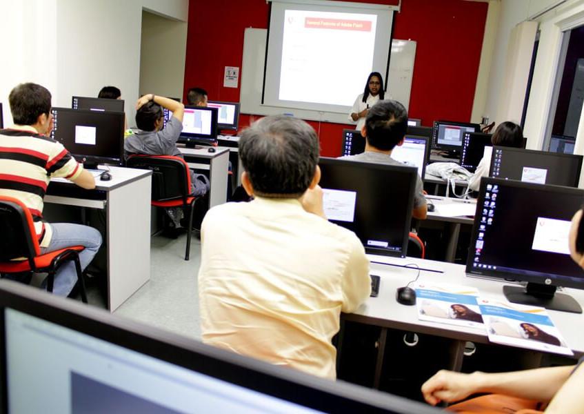 tmc-academy-facilities-computer-classroo