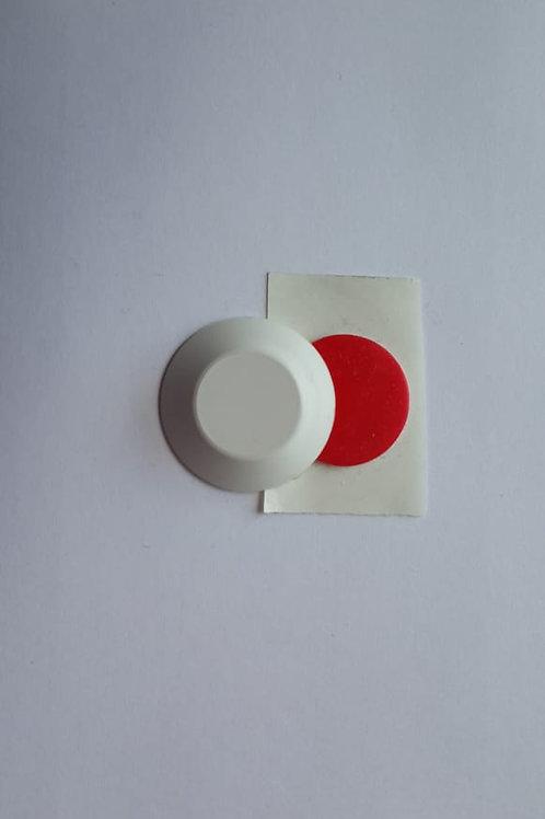 Декоративная накладка со скотчем на магнит