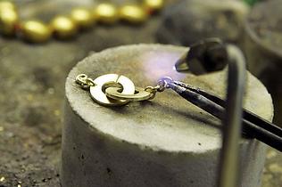Serviço de conserto de joias em joalheria Porto Alegre
