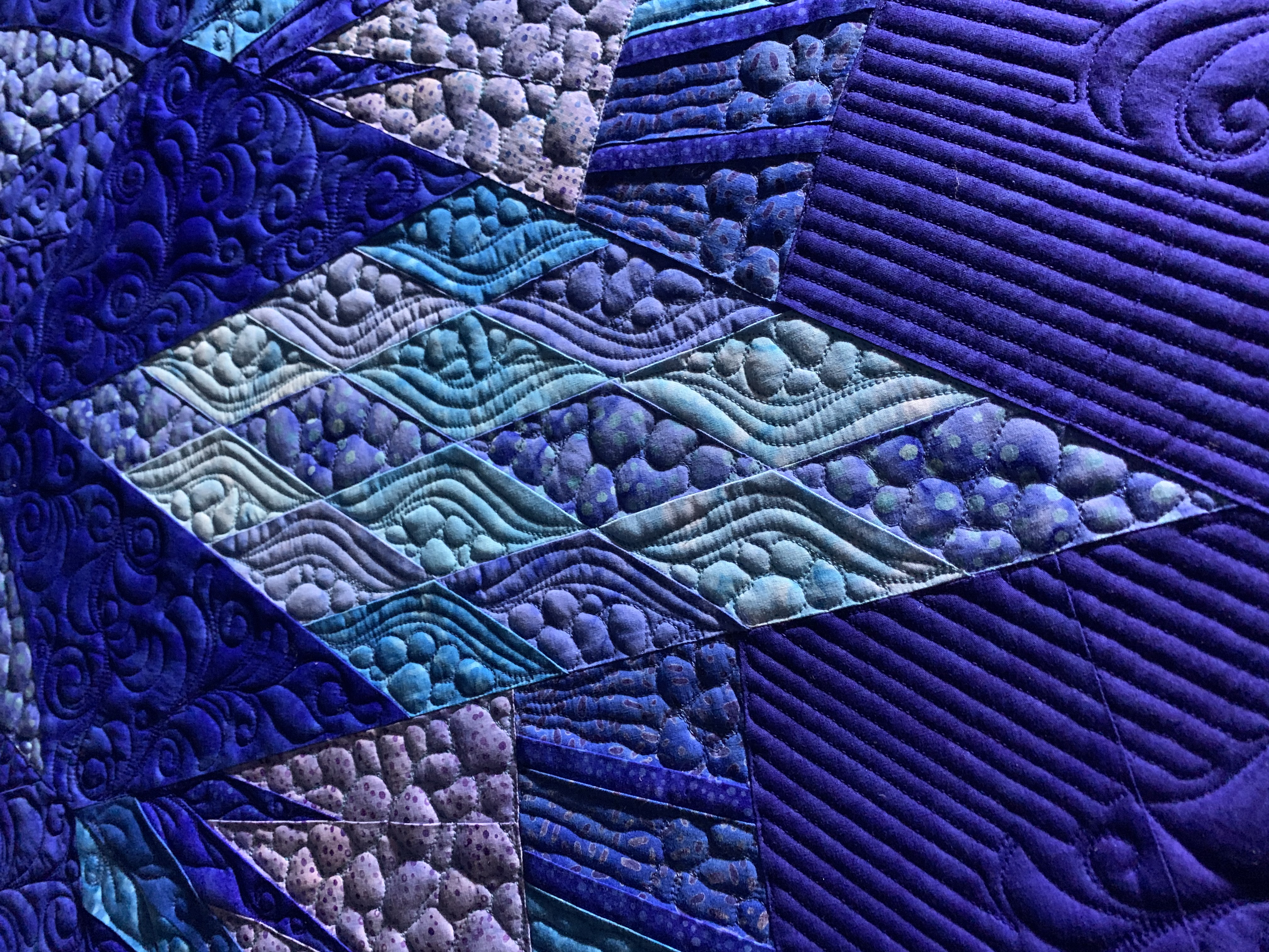 SS Diamond quilting detail.jpg
