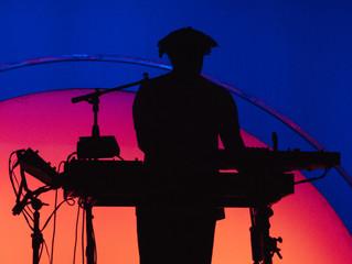 Artigo Científico: A exposição de música, ao longo da vida, afeta os nossos ouvidos?