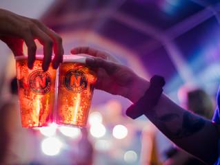 As cervejas artesanais ganham preponderância na música e festivais, o exemplo da Cerveja Nortada. En