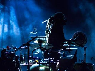 Artigo Científico: Extrair e prever trajetórias de carreira dos artistas musicais