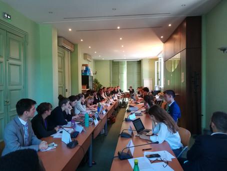 La commission AFCO se réunit pour dialoguer et éclaircir des doutes