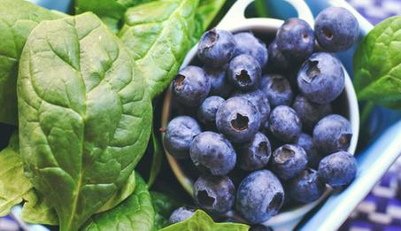 Quercetin: 8 Proven Benefits of This Antioxidant (#1 Is Incredible)