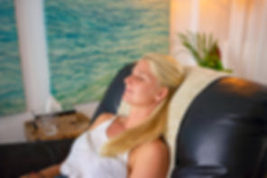 Client in hypnosis during hynotherapy session