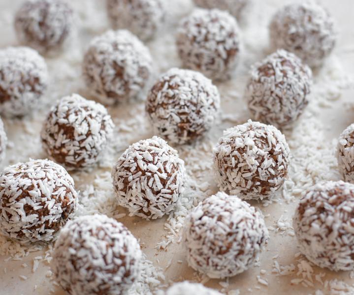 wpfcocochocopeanutballs-2.jpg