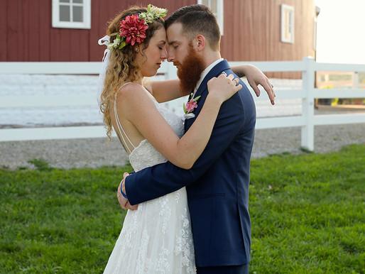 Wilkinson Wedding | Hileman's Round Barn | Silver Lake, Indiana