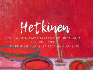 Kuvataiteilija Tuija HP:n Hetkinen -näyttely Louhitalolle elokuussa