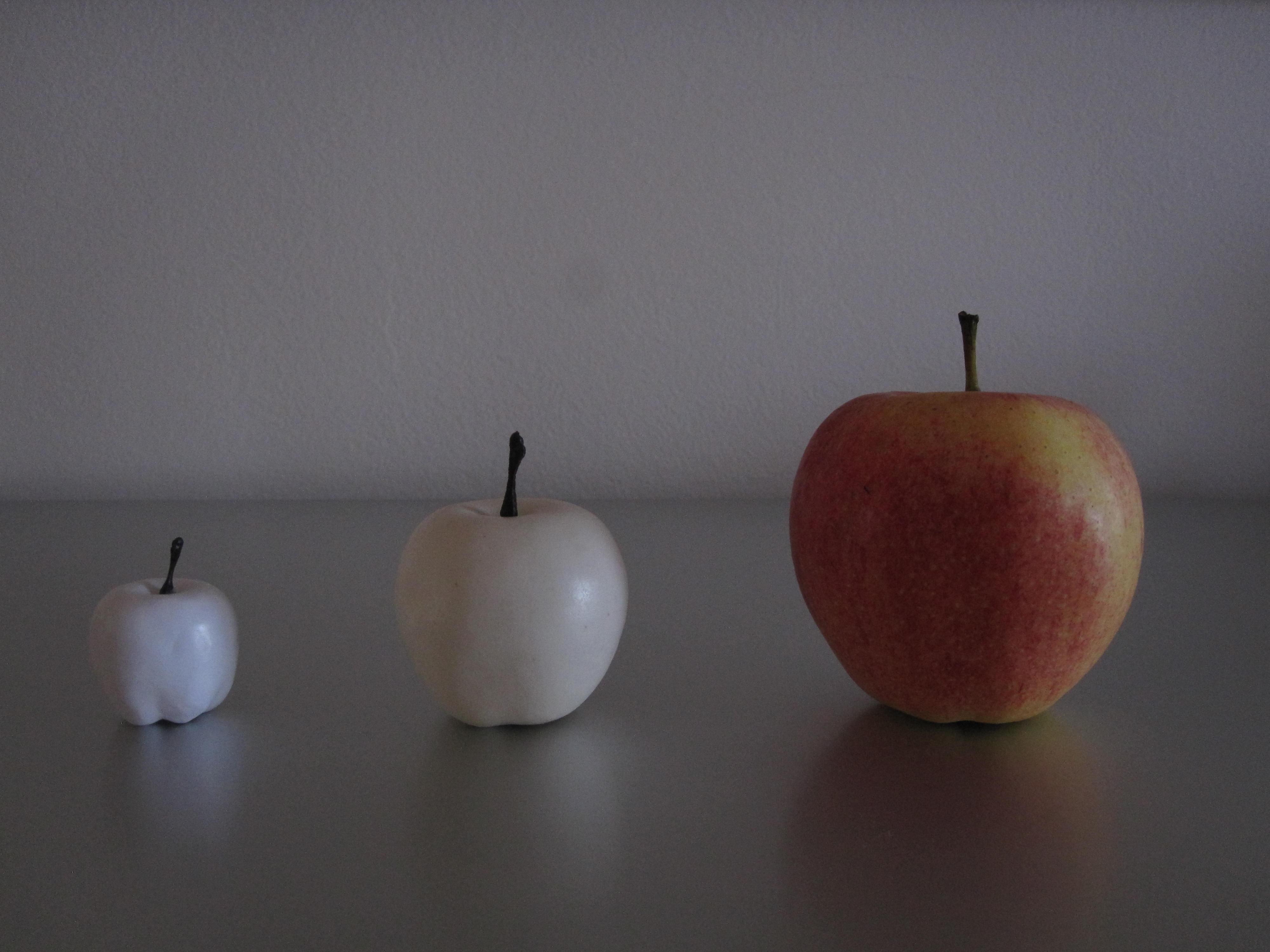 tout p'tite, p'tite, pomme
