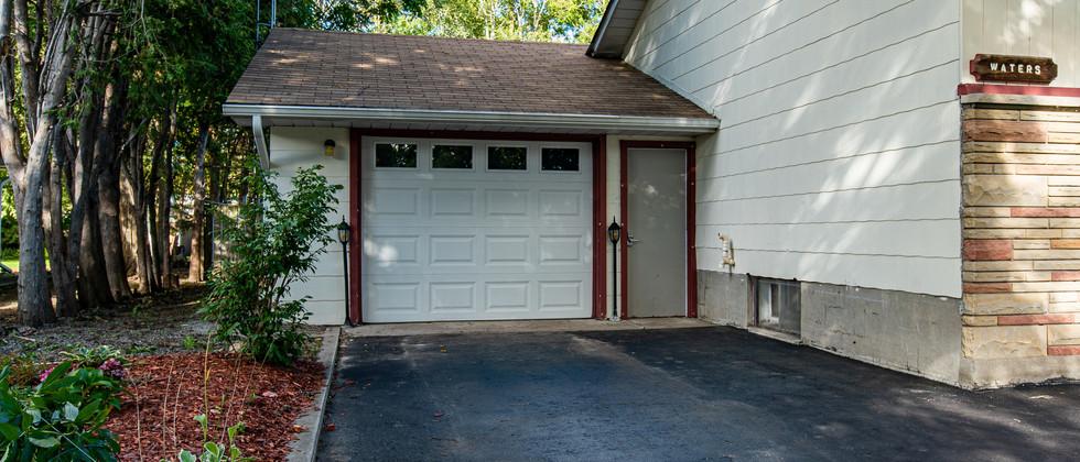 Exterior_Garage.jpg