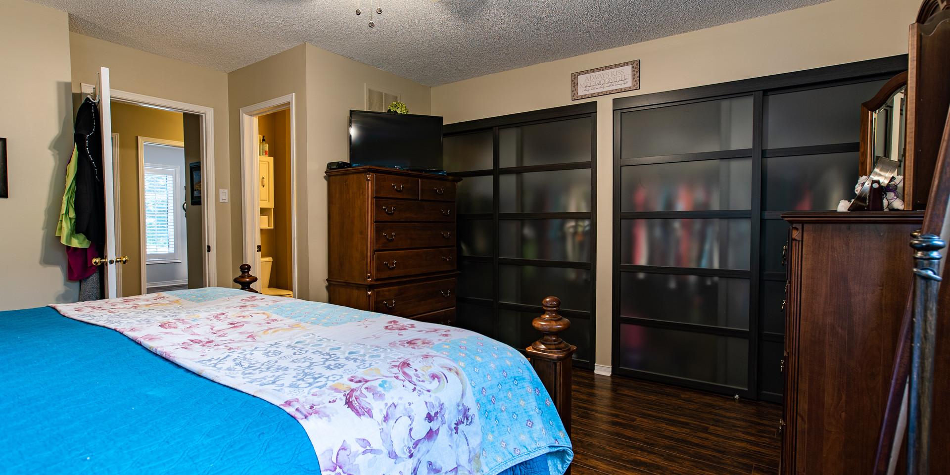 Masterbedroom_Closets.jpg