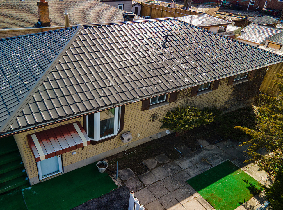 14BerwickCres_Drone_Exterior_Roof_Websiz