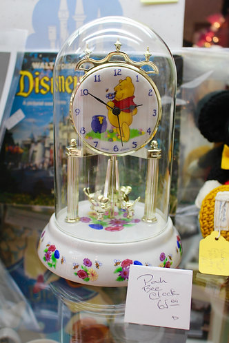 Pooh Bear Bee Clock
